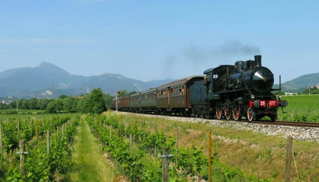 Calendario Treni Storici 2020.Treni Storici E Battelli Sui Laghi Lombardi Lario Express